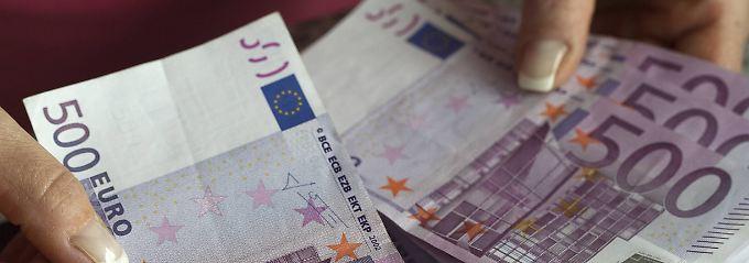 Keine Filialen: Wie zahlt man Bargeld bei Direktbanken ein?