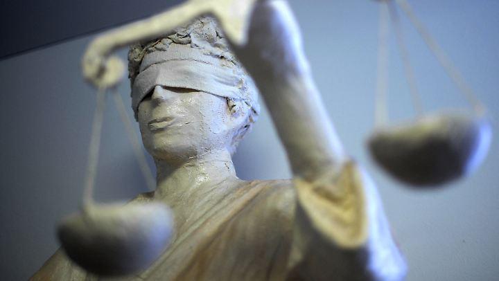 Die Durchsetzung von Recht und Gesetz sei eine Kernaufgabe des Staates, sagt Volker Kauder.