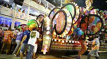 Unfall in Rio de Janeiro: Samba-Wagen fährt in Zuschauermenge