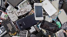 Geschäft zu Lasten der Umwelt: Wie nachhaltig ist die Mobilfunkbranche?