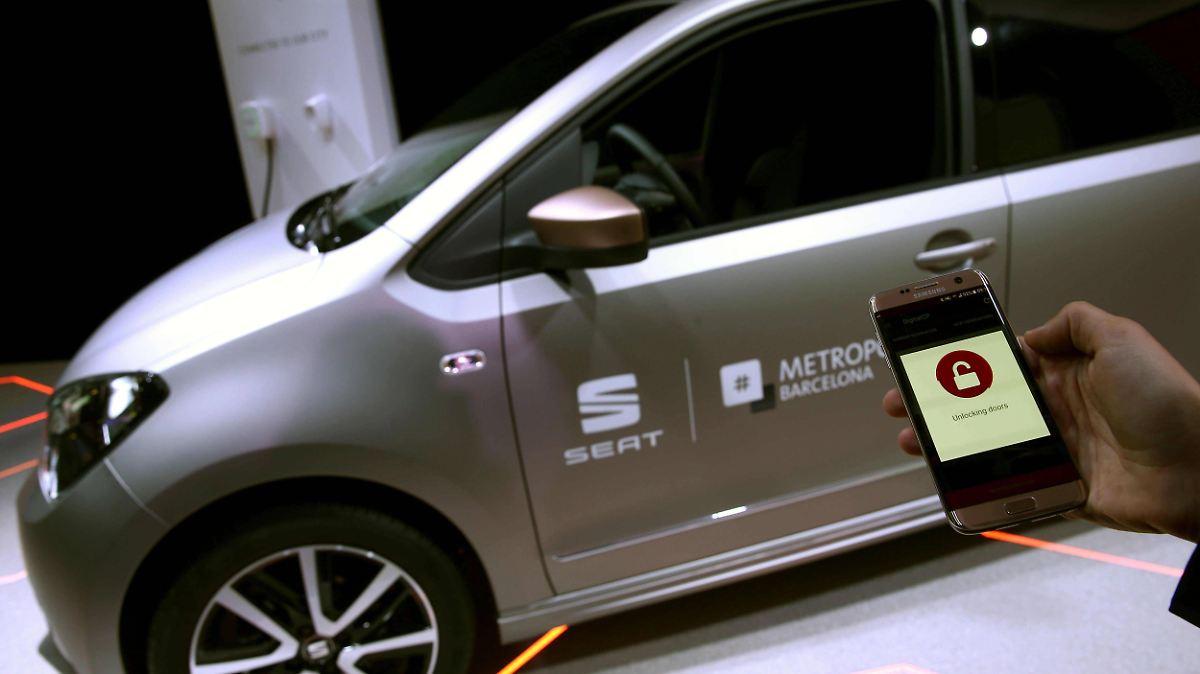 sicherheit bleibt knackpunkt auto wird zum smartphone auf. Black Bedroom Furniture Sets. Home Design Ideas