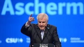 Politischer Aschermittwoch: Schulz und Seehofer beharken sich mit kräftigen Wahlkampftönen