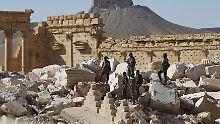 Syrische Soldaten in den Ruinen des Baal-Tempels.