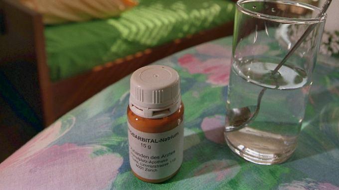 In der Schweiz ist die Selbsttötung, etwa mit dem  Betäubungsmittel Natrium-Pentobarbital, legal.