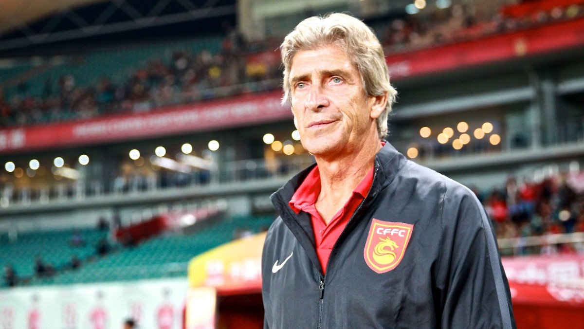 manuel pellegrini im interview chinas transferwahn was hei t verr ckt n. Black Bedroom Furniture Sets. Home Design Ideas