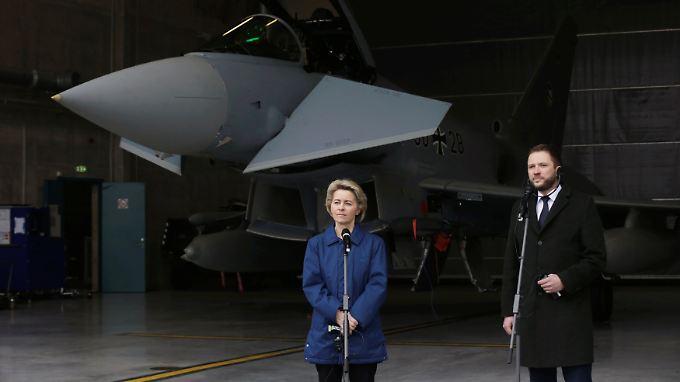 Besuch im Baltikum: Von der Leyen beschwört Stärke der Nato