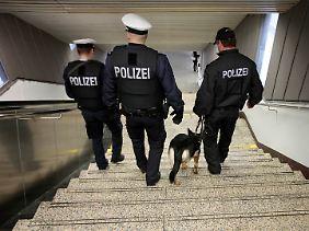 Die derzeitige Präsenz ist eine große Belastung für die Polizei.