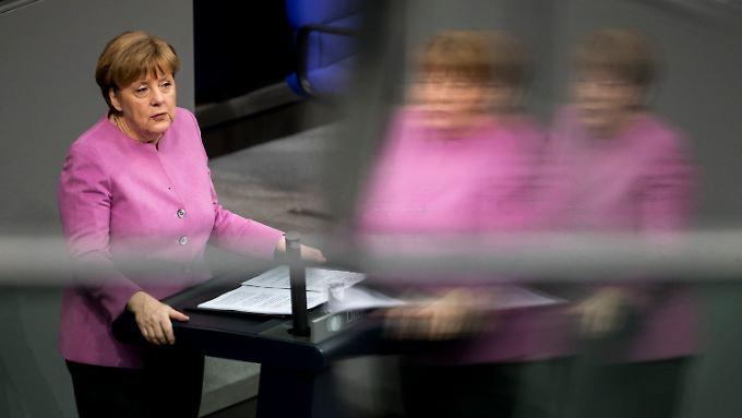 """Regierungserklärung von Merkel: Nazi-Vergleiche sind """"traurig und deprimierend"""""""