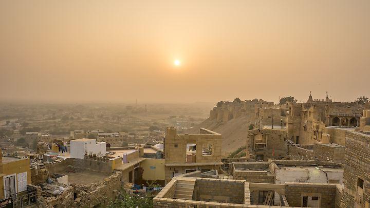 Sonnenaufgang über Jaisalmer.