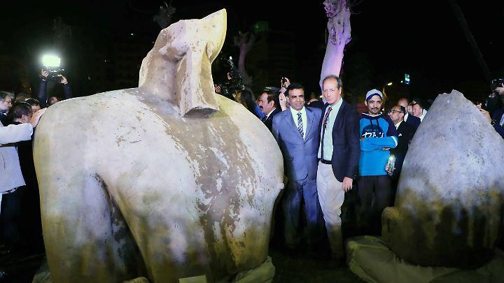 Am 16. März wurden die Entdeckungen in Kairo der Presse vorgestellt.
