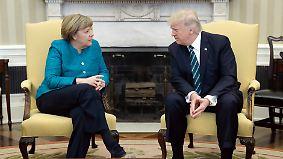 Merkel zu Besuch bei Trump: Begrüßung beginnt mit Fauxpas