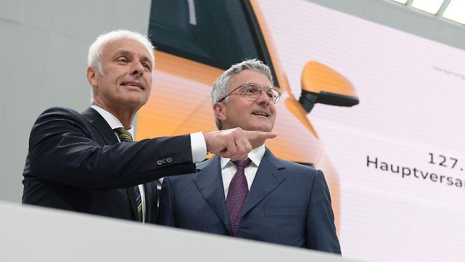 VW-Chef Matthias Müller und Audi-Chef Rupert Stadler bei der Hauptversammlung von Audi.