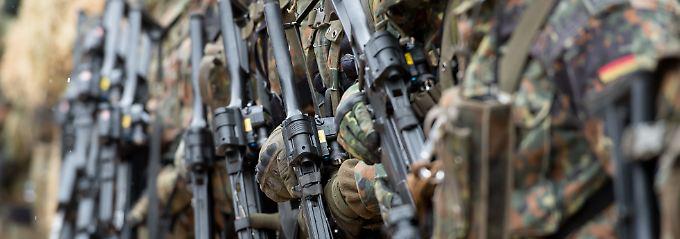 Angeblich Anschlag vorbereitet: Bundeswehrsoldat steht unter Terrorverdacht