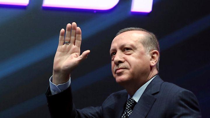 """""""Was muss eigentlich noch passieren, bis wir irgendwann mal sagen, jetzt ist es gut?"""": Recep Tayyip Erdogan."""
