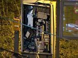 Ticketautomaten gesprengt: Zündler tötet sich bei Explosion wohl selbst