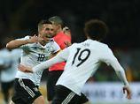 Ausgerechnet Lukas Podolski schießt das Siegtor für Deutschland.
