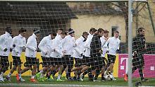 Abenteuer in Aserbaidschan: Weigl fällt aus, Bierhoff mahnt DFB-Kicker