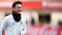 """Fußballer wurde """"nur benutzt"""": Özil beklagt sich über falsche Freunde"""