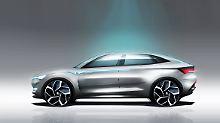 In der Silhouette zeigt sich der Skoda Vision E als waschechtes SUV-Coupé.