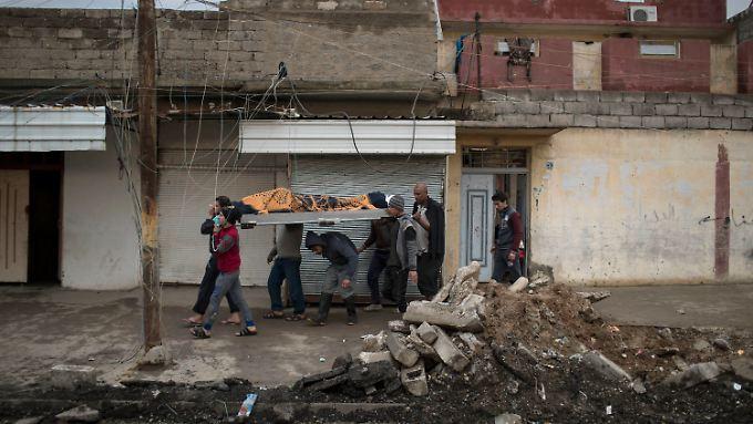 Bei der Offensive zur Rückeroberung von West-Mossul sind nach UN-Angaben mehr als 300 Zivilisten getötet worden.