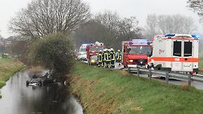 Autounfall endet im Kanal: Ersthelfer rettet Mädchen vor dem Ertrinken