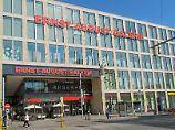 Vom Dach dieses Einkaufszentrums soll Saleh S. die Molotowcocktails geworfen haben.