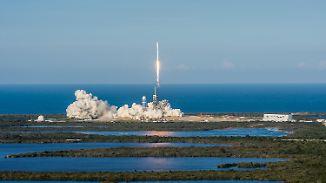 """""""Revolution für die Raumfahrt"""": SpaceX schießt wiederverwendbare Rakete ins All"""