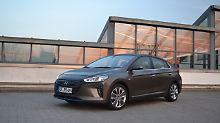 Der Hyundai Ioniq Hybrid ist die Antwort auf Toyotas Prius.