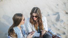 Viele haben ihr Smartphone immer im Einsatz. Abschalten fällt da schwer.