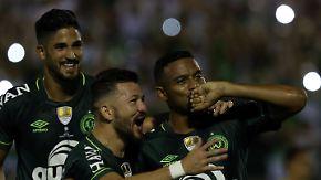 Vier Monate nach Flugzeugabsturz: Chapecoense gewinnt Hinspiel im Südamerika-Supercupfinale