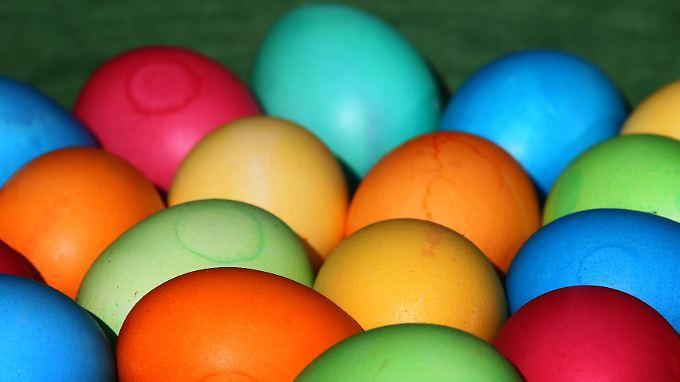 Färben geht mit weißen Eiern besser. Kommen davon zu Ostern auch mehr in den Handel?