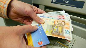 Ende der Umsonst-Kultur: Pro und Contra zu Gebühren für das Geldabheben an Automaten