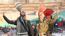 """Neu Delhi warnt vor """"Mord"""": Pakistans Militär verurteilt Inder zum Tod"""