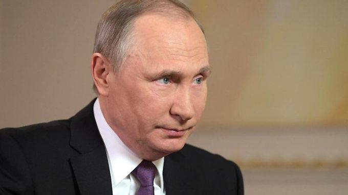 """Putin sagt, mit diesem Begriff sei er einverstanden: Es brauche eine gemeinsame Politik der internationalen Gemeinschaft """"gegen jede Macht, die Chemiewaffen genutzt hat""""."""
