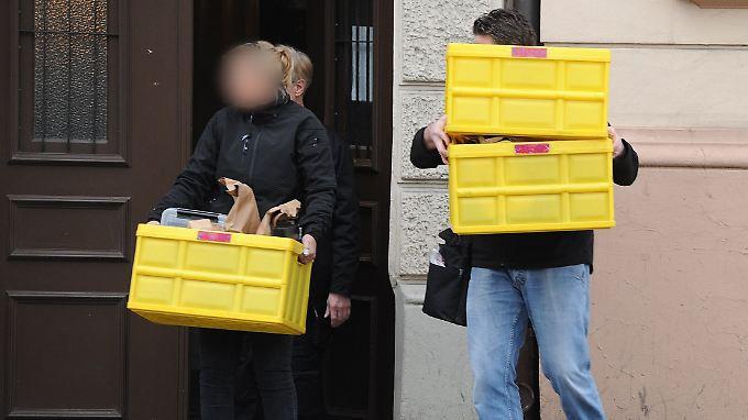 Kurz nach dem Anschlag auf den BVB geraten zwei Männer ins Visier der Ermittler. Einer von ihnen ist Abdul Beset A. Auch seine Wohnung wird durchsucht.