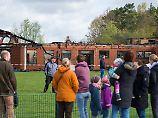"""""""Der ganze Ort ist paralysiert"""": Schule in Niedersachsen brennt nieder"""