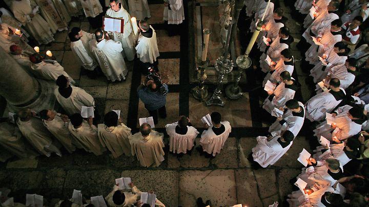 In der Grabeskirche in Jerusalem ist an Ostern besonders viel los.