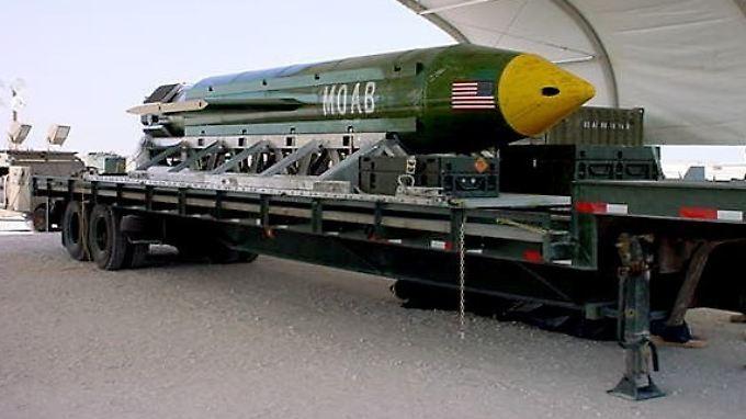 Verheerende Sprengkraft: Eine Moab-Bombe auf einer US-Luftwaffenbasis (Archivbild).