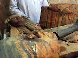 Fundsache, Nr. 1350: 3500 Jahre alte Mumien und Sarkophage