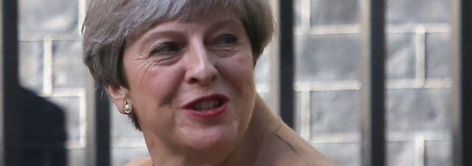 Theresa May sagt TV-Debatten ab.