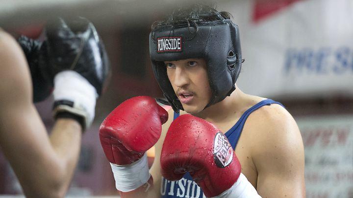 "Miles Teller spielt in ""Bleed for This"" den Boxer Vinny Pazienza."