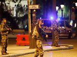 Anti-Terror-Abteilung ermittelt: Polizist stirbt bei Schießerei in Paris