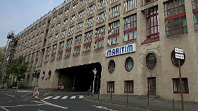 Die Kölner Polizei verstärkt die Sicherheit vor allem rund um den Tagungsort, das Maritim-Hotel.