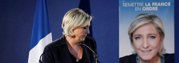 Le Pen fordert erneut härtere Maßnahmen im Kampf gegen den Islamismus.