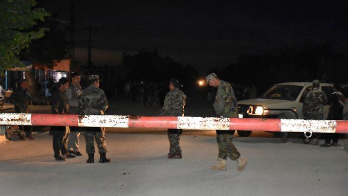 Die Zahl der Opfer auf dem Militärstützpunkt ist weit höher, als zunächst bekannt geworden war.