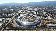 """Der neue Apple-Firmensitz im Silicon Valley trägt den Spitznamen """"Raumschiff"""" und soll Ende April eröffnet werden."""
