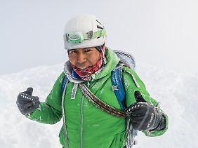 Todo bien:Bergführer Wily Rivera Iza auf dem Gipfel des Chimborazo.