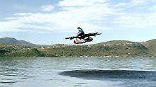 Die Riesendrohne bringt es auf eine Flughöhe von viereinhalb Metern.