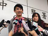 Opposition wird abgestraft: Hongkongs Polizei nimmt China-Kritiker fest