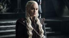 """Abschied von """"Game of Thrones"""": Emilia Clarke sagt Serienfamilie Lebewohl"""
